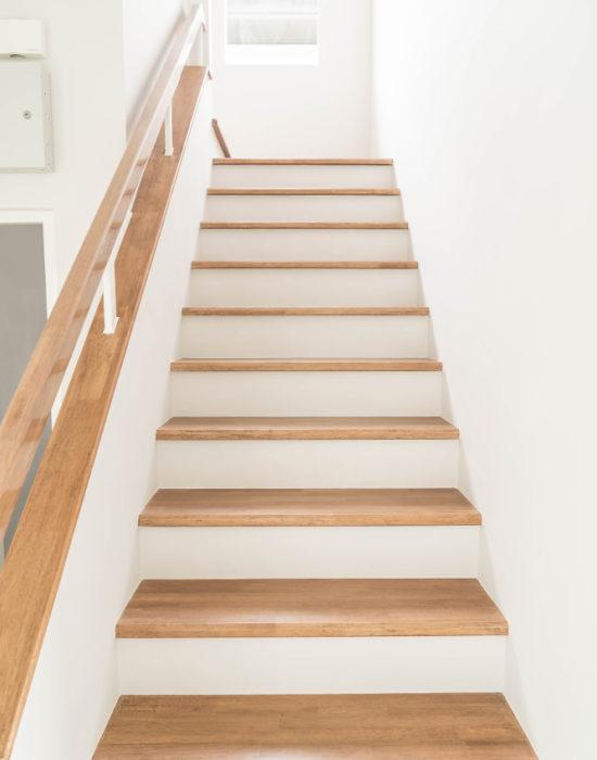 Traprenovatie in kortrijk herstellen trappen for Goedkope trappenmaker